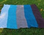 Daisy Stitch Knit Afghan