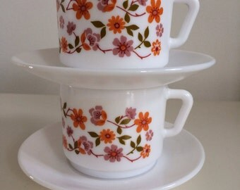 2 X Vintage/Retro Arcopal Scania cups and saucers