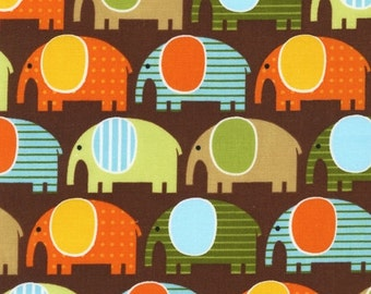 Robert Kaufman Fabric - Urban Zoologie - Elephants - Brown-Choose Your Cut 1/2 or Full Yard