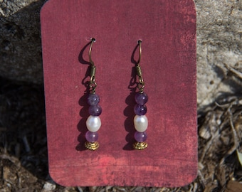 NEW - Amethyst and Freshwater Pearl Pierced Earrings 3646e