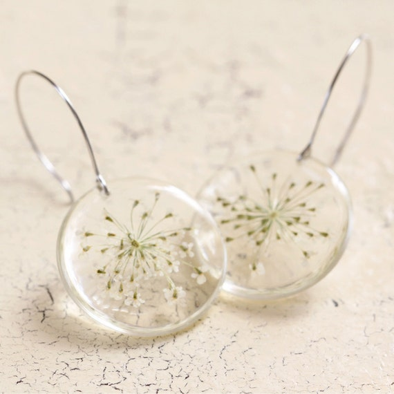 Real Queen Anne Lace Earrings - Real White Flower  - Pressed Flower Jewelry - Resin Earrings