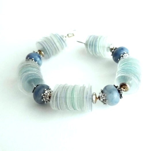 Upcycled jewelry blue bracelet made of recycled plastic bottles with chunky beads, eco-friendly, pastel