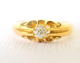 SALE /// 1800's Antique Victorian / old cut Diamond engagement wedding 18k yellow gold ring . Belcher set