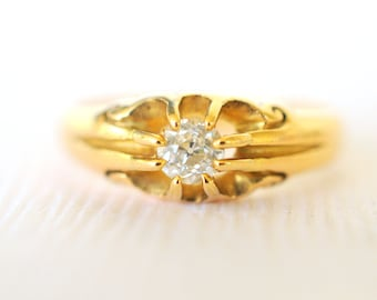 1800's Antique Victorian / old cut Diamond engagement wedding 18k yellow gold ring . Belcher set