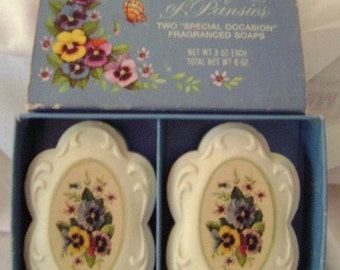 Avon Bouquet of Pansies Soap Set