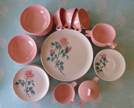 Vintage melmac dishes set of 8 pink rose dishes newport for Cuisine rose