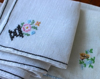 Vintage Linen Napkins 6 Embroidered Luncheon Cocktail Flowers Unmatched Mixed