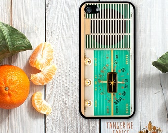 Vintage Radio in Minty Green. Available for iPhone 4/4s, 5/5s, 5c, 6/6s or 6+/6s+