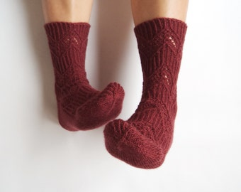 SAMPLE SALE! Ready to ship EUR 37 Oxblood chevron lace hand knit wool socks. Burgundy wine red lace wool socks. Autumn winter accessories.