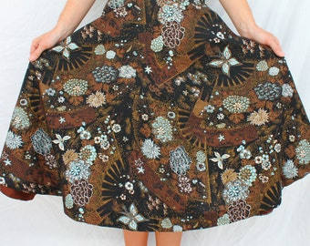 Gorgeous 1950s Novelty Print of Flowers & Glittery Butterflies Cotton Full Circle Skirt Size SMALL