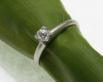 Vintage 14k white gold diamond miners cut solitaire 0.28 carats Estate engagement ring