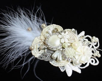 Feather & Pearl Bridal Hair Comb-  Collage Wedding Hair Piece- Vintage Wedding Hair Accessories- Statement Bridal hairpiece- fascinator