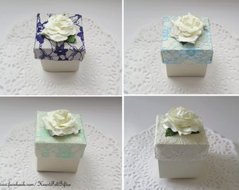 Vintage Lace wedding favour Boxes - Shabby Chic / vintage wedding - Cream Rose Favour