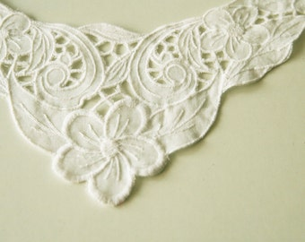 SALE / Romantic Flower embroidered patch, White lace patch, Wedding accessories