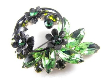 Juliana Brooch Lush Green Rhinestones Japanned Metal Flowers Silver Tone Metal Mount
