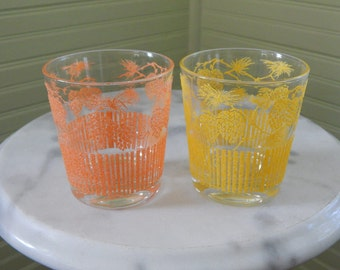 Charming Glasses by Starlyte -- Pair of Vintage Juice Glasses with Pine Cone Designs -- Lovely Retro Drinking Glasses