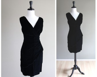 Stunning Black Velvet Wiggle Dress with Plunging Neckline / Old Hollywood / Vintage 1960s / Glam Formal