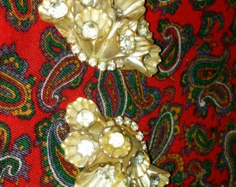 Exquisite 1940's Flapper Fan LFlower Design Mother of Pearl with Rhinestones Pr of Earrings