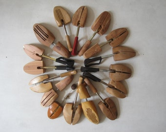 Lot of 16 Womens Vintage Wooden Shoe Keepers Stretchers for Crafts Desplay E697Bs