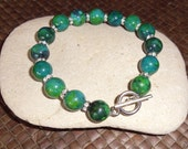 Green stone beaded bracelet with Rhinestone spacers