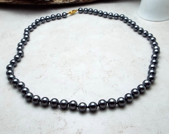 Necklace Hand Knotted Deep Gray Pearls