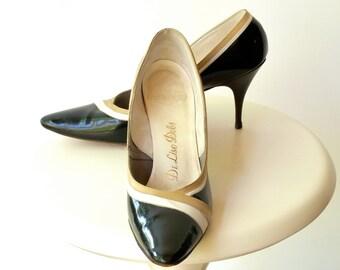 Vintage 50s 60s Stilettos  --  Mad Men High Heels / Pumps  --  Black Faux Patent Leather  --  7