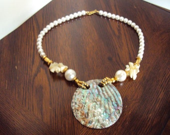 Beautiful Vintage Mother Of Pearl And Pearl Shell Necklace