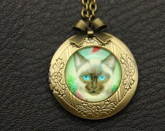 Necklace locket Persian cat