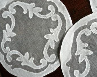 Vintage Linen Doilies - Set of 3 Appliqué Coasters - White Madeira Doily - Round Mat - Sheer Muslin Appliqué - Madeira Bordado Embroidery