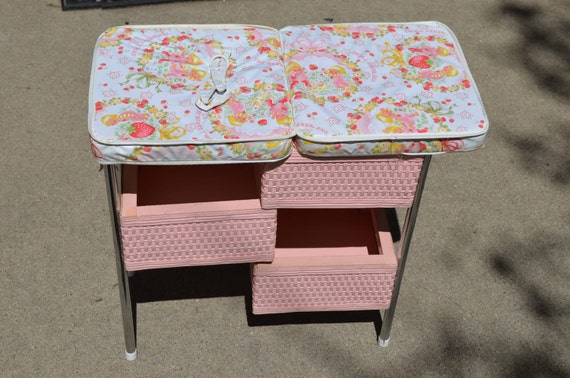 Vintage 1960s Doll Changing Table Folding by BirdifactsOldandNew