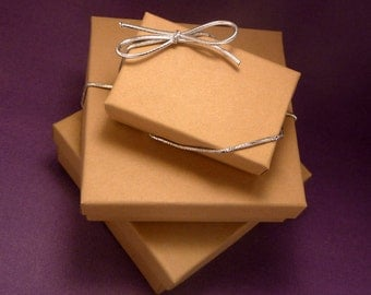 Gift Wrap - Lovely Kraft Paper Box with Silver Elastic Band