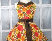 Plus size Fall, Autumn, Thanksgiving retro womens floral mums and leaves full apron handmade sweetheart neckline flirty size 18-20W