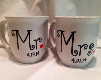 Wedding Coffee Mugs with Date of Wedding, Mr and Mrs Coffee Mug Set, Wedding Gift, Bride and Groom Mugs