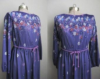 1970s Vintage Dress Purple Flower Print Secretary Dress Boho Chic 70s Day Dress / Medium