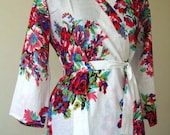 DD3 White floral Bride robe, bridal party robes, wedding favors for bridesmaids and maid of honor, DD3