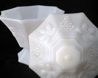 Anchor Hocking Milk Glass Pedestal Candy Dish with Lid in Grape Design Vintage 1950s 1960s