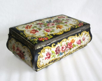 Goffret Hollandais, vintage tin box, Shabby floral needlepoint graphics, Cottage chic, home decor. Holland Dutch container. Colorful Flowers