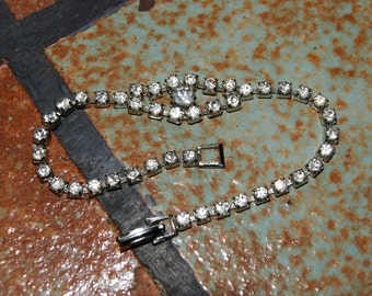 Vintage Unmarked 1950s Rhinestone Tennis Style Bracelet With Larger Center Stone
