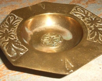 Vintage Ring Holder, Brass, Jewelry Dish, Brass Ashtray, Solid Brass, Floral,  Brass Dish