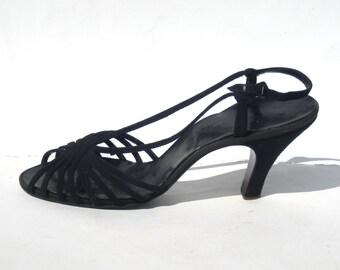 size 9N / 1940s black suede evening sandals