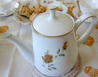 "Noritake Teapot, ""Prima Donna"", Golden Roses"