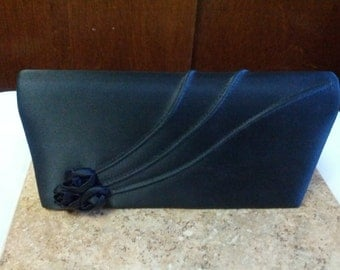 Beautiful formal clutch in black with 3 black rosebuds