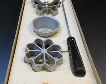 Vintage Handi Hostess Kit Waf-L-Ette Molds - Waffle Molds - With Box and Instructions 1950s