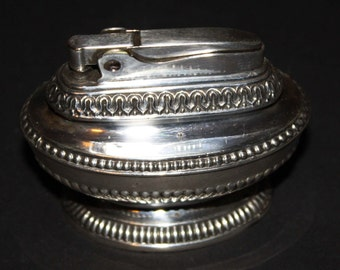A Vintage Ronson Queen Anne Table lighter