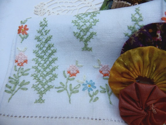 Linen Fingertip Towels (Set of 2) Mint Green and Peach Floral Cross Stitch Style Embroidery