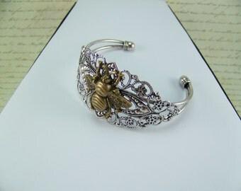 Honeybee bracelet, Filigree bee bracelet, Bronze Honeybee, Cuff bracelet, Honeybee Cuff bracelet, Apiary, Bee Lover, Bee hive, Bee wings