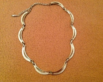 Vintage Coro Silver Tone Scallopped Necklace