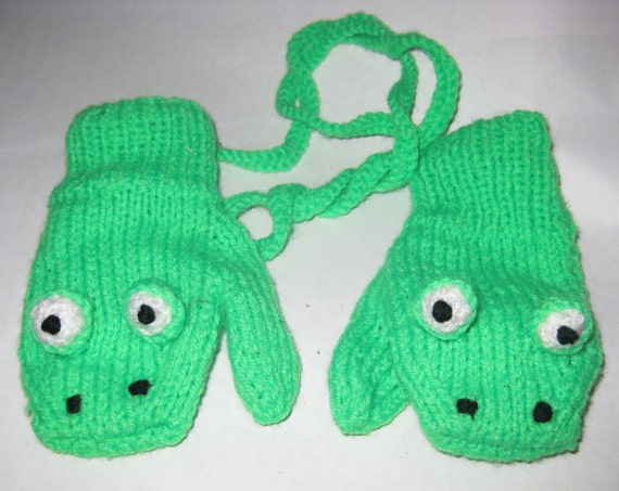 Frog Mittens hand knitted for 4/5 year old by NannieCool on Etsy