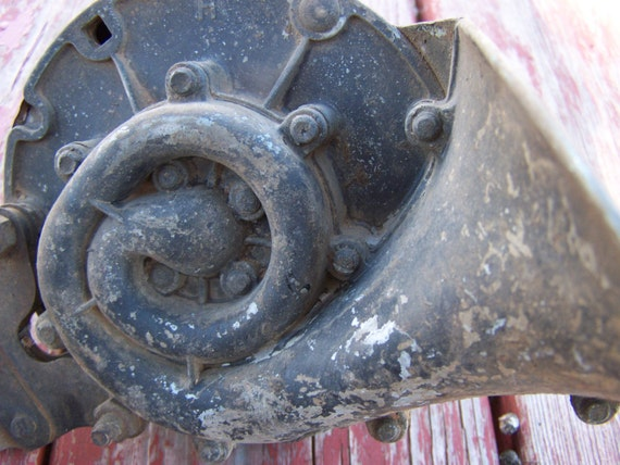 Antique Auto Horn : Vintage car horn old automobile auto parts