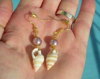 SUMMER BEACH conch/shell & Lilac glass fx PEARL earrings